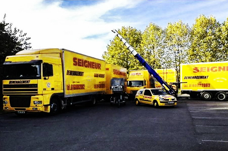Demenagements-Seigneur-une-flotte-de-camions-de-10-à-100-m3