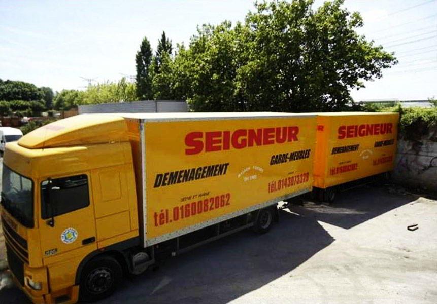 une flotte de camions jusqu'à 100 m3