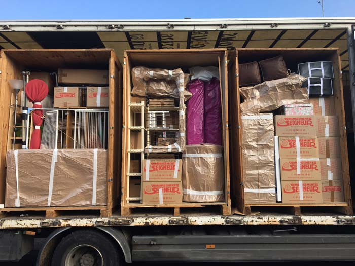 Nos containers en route pour le garde-meubles